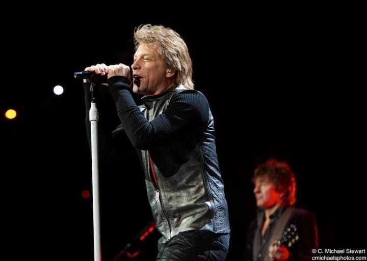 Bon Jovi ant KFC Yum Center