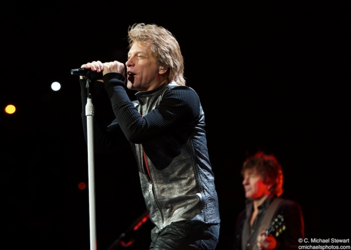 Bon Jovi ant KFC Yum Center
